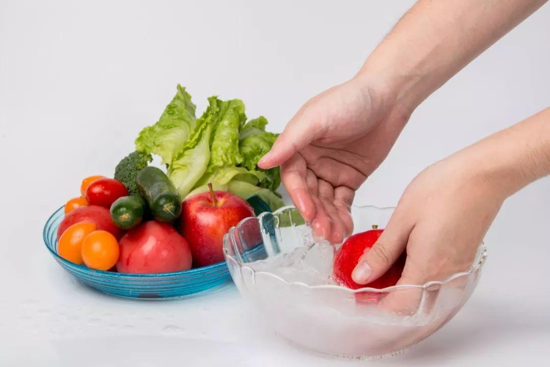 蔬菜浸泡太久可能更脏
